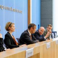 Formate des Politischen Podiumsdiskussion mit Thomas Krüger und Gregor Gysi (© Deutschlandfunk/ Bettina Straub)