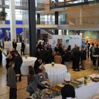 Ausstellerbereich 3. BonnerKonferenz (© MBEM/Wolfgang Radtke, KNA)